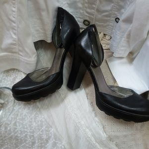 Guess By Marciano CHUNKY Ankle STRAP Heels SZ 9